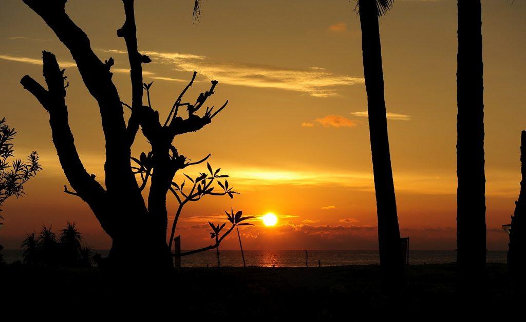 ...e uno dei suoi tramonti infuocati!