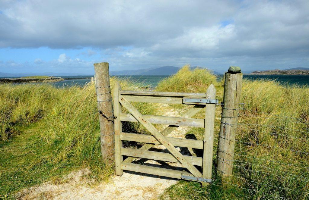 Il piccolo cancello d'accesso alle spiagge