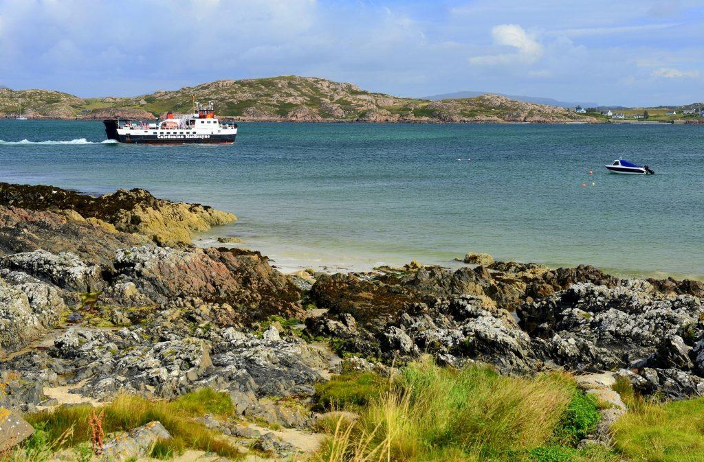 Il ferry che fa la spola fra MULL (Fionnphort) e IONA