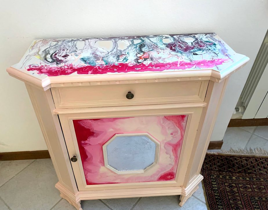 Painted-furniture-3