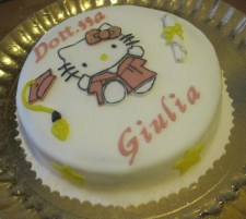 Torta Hello Kitty laureata