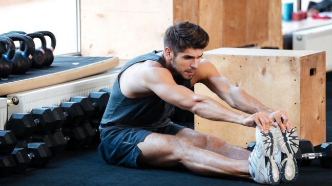 Anche gli uomini devono fare stretching: 5 motivi e gli esercizi