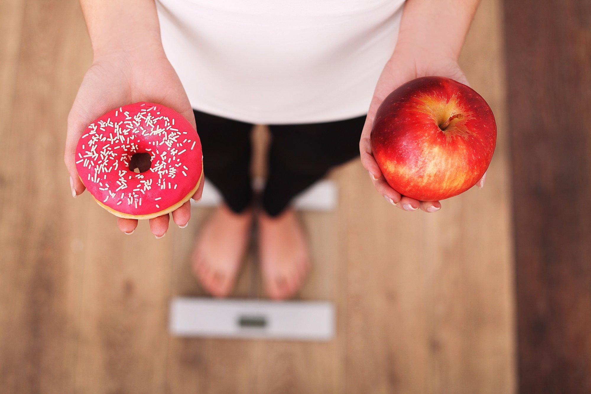 Meglio diminuire grassi o carboidrati?