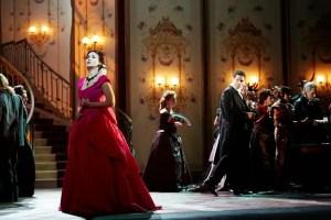 """""""La Traviata"""" di Giuseppe Verdi: un inno all'amore e alla vita"""