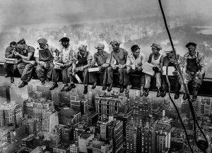 """""""Lunch atop a Skyscraper"""" di Charles Ebbets: un pranzo sopra le nuvole"""