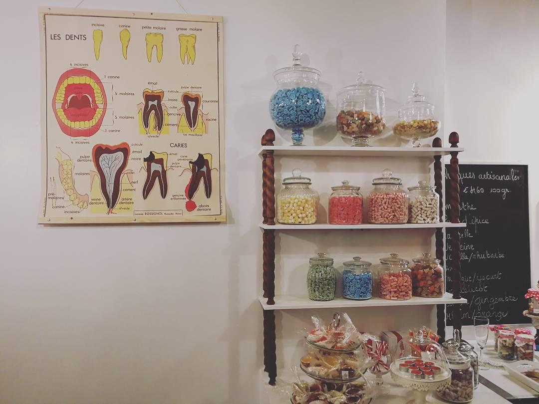 Le petit grand magasin de chiques, de cadeaux et de tchiniss