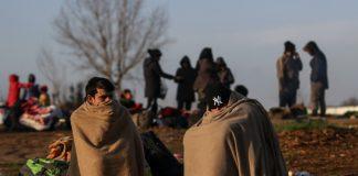 rifugiati al confine greco