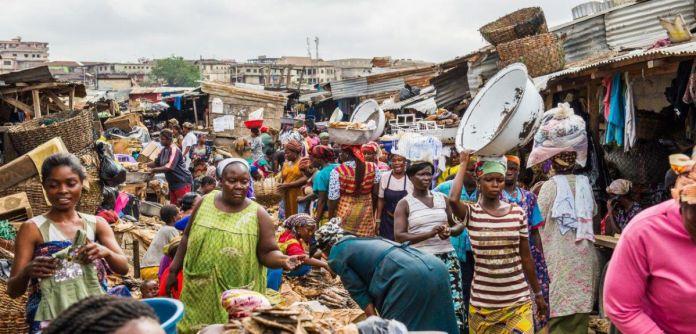 Africa e Coronavirus, un'affollata baraccopoli