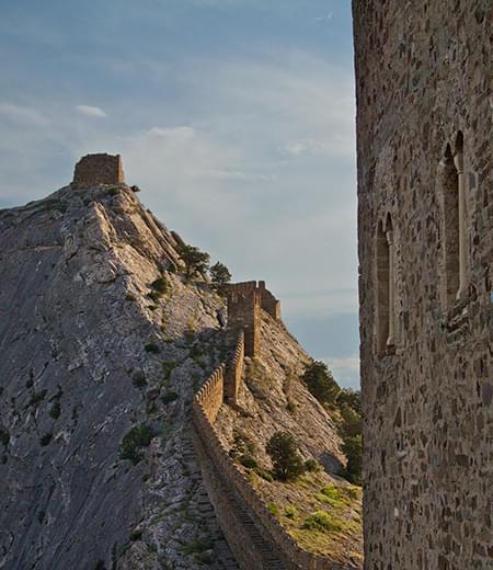 Дозорная (Девичья) башня Генуэзской крепости
