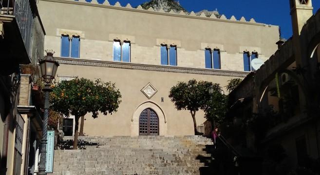 Risultati immagini per Palazzo Ciampoli Taormina