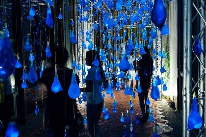luzinterruptus-rain-interactive-installation-17