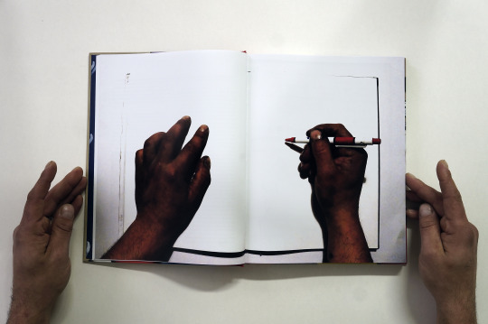 run-time-traveller-artist-man-book-03