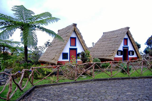 Resultado de imagem para casas de santana