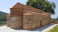 Ο Ιερός Ναός Κοιμήσεως της Θεοτόκου στη Νέα Φιγάλεια (τ. Ζούρτσα)