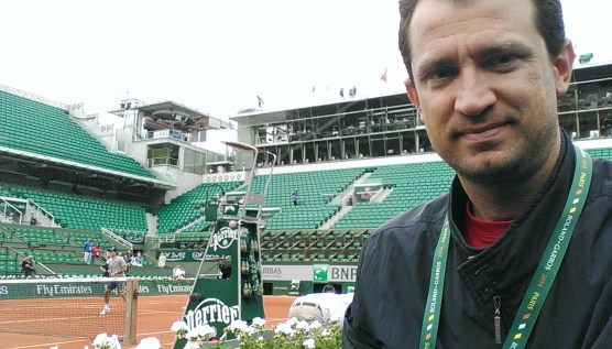 Center court Roland Garros (Feferer warming-up)
