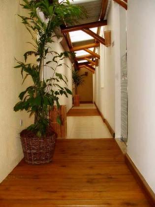 hallway of fanciest sauna gay in Salvador garotos de programa