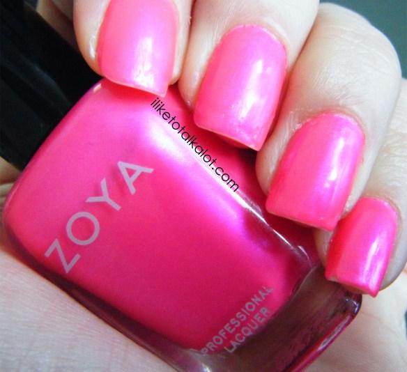 zoya lola fingers 3