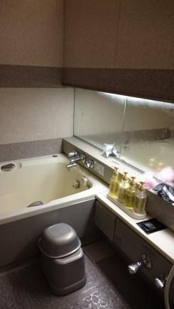 hotel enzo buzen japan karaoke bath