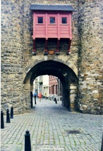 Maastricht, The Netherlands, Meuse River, Maas, architecture, history, city walls, travel, photo, Canon EOS Rebel, Helpoort, Hell's Gate,