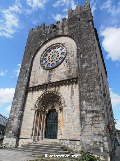 Church San Juan, Portomarin, Galicia, Camino, Santiago, architecture, photo, travel, Olympus