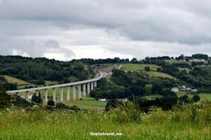 Camino, Paredes, Santiago, Compostela, trekking, hiking, pilgrimage, Spain, yellow arrow, travel, bridge, photo, Canon EOS Rebel