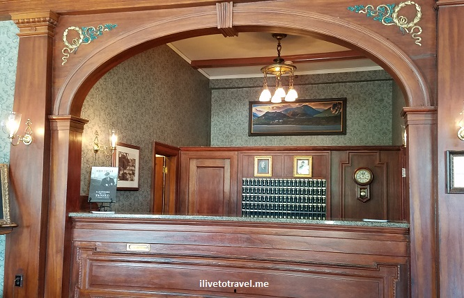 Stanley Hotel, Estes Park, Colorado, lodging, architecture, photo, Samsung Galaxy S7, Cascade, lobby, keys