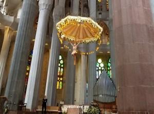 Barcelona, La Sagrada Familia, basilica, iglesia, church, Catholic, spire, Spain, Catalunya, Espana, column, main altar