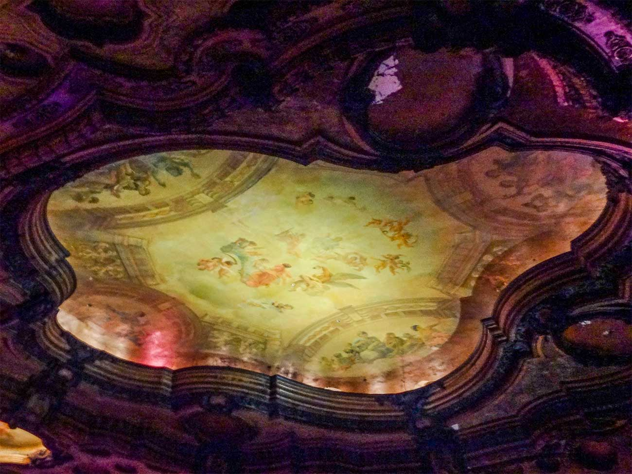 Ceiling of Los Angeles Theatre