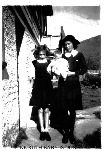 June and Ruth Bath with baby Don - Oceana Parade, 1948