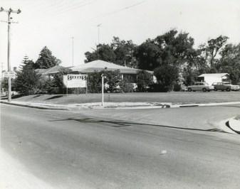 Street Family Home - Pioneer Road, Corrimal - 1970