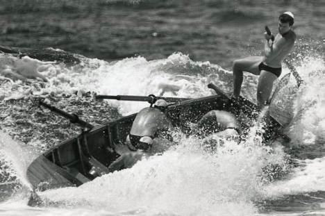 P27189 - Towradgi sweep Don Allen loses control during the rough seas at Fairy Meadow - 28 January 1989