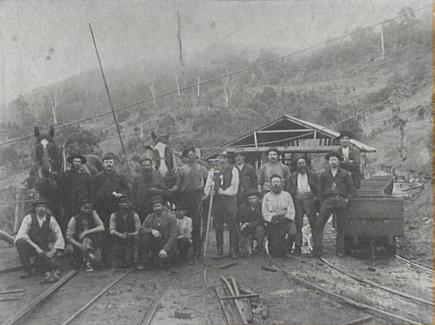 P11030 - Possibly Mitchell's Mine at Bellambi or Mount Keira Mine - c.1890.