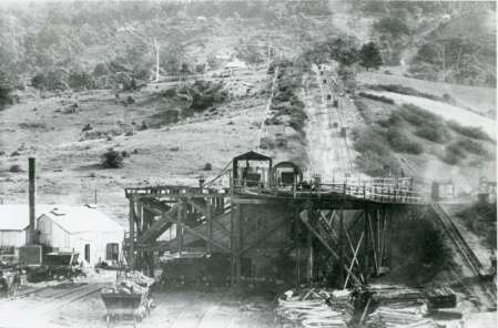 P30028 - Mount Keira Colliery incline - tramway for transport of coal from the mine - date not identified, but estimated to be 1900-1910.