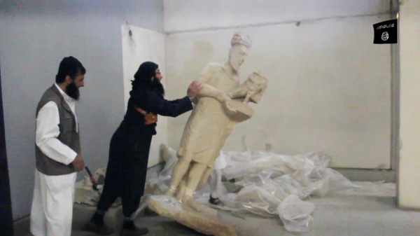Destruction of an unidentified king of Hatra by militants in 2015