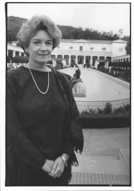 MARION TRUE, curator of the Getty Museum. LA Times photo by IRIS SCHNEIDER. 10/24/99