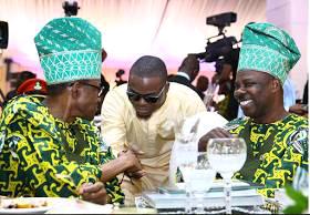 "PH0T0S: Olamide Meets President Of Nigeria ""Buhari"""