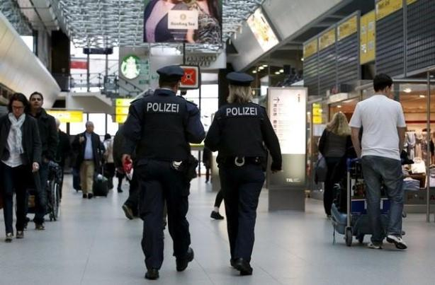 Isis bomb suspect planned to target Berlin airport