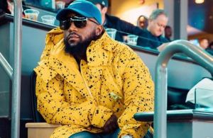 VIDEO: Cans and bottles thrown at Cassper while performing