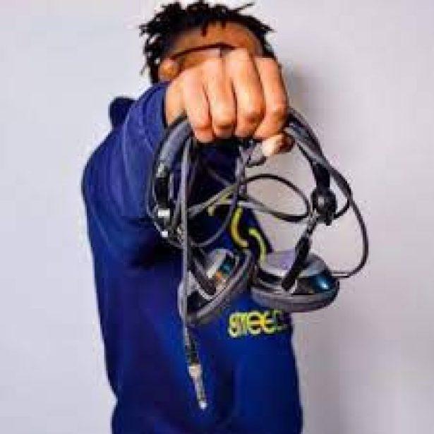 DOWNLOAD Kelvin Momo Ft. Mogomosti Chosen – Locked Tune #3 (Vocal Mix) MP3