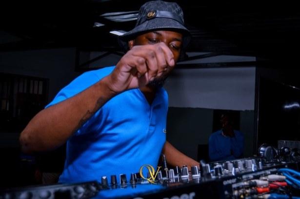 DOWNLOAD De Mthuda – DKNY Lounge Mogodu Monday MP3