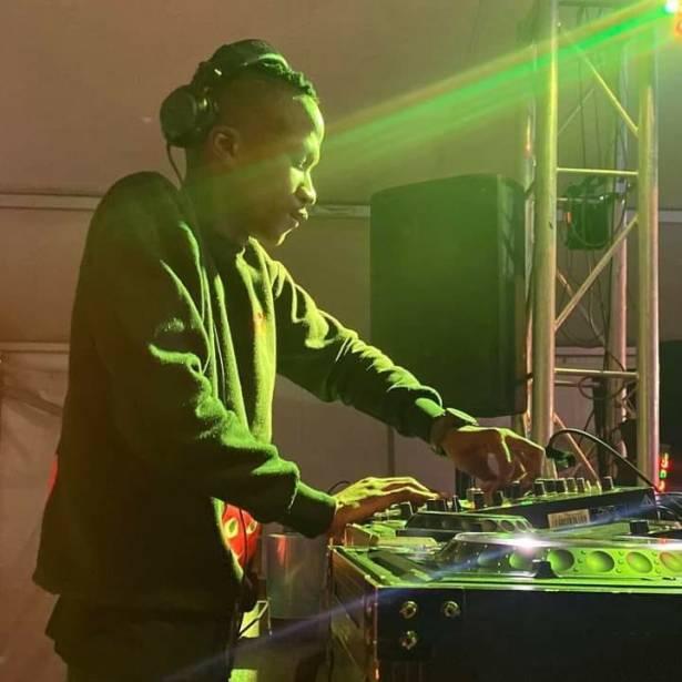 DOWNLOAD Mdu aka trp & Bongza Ft. Nkulee – Familiar MP3