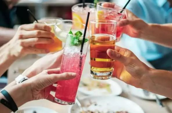 5 drinking habits to avoid if you are planning to shed kilos