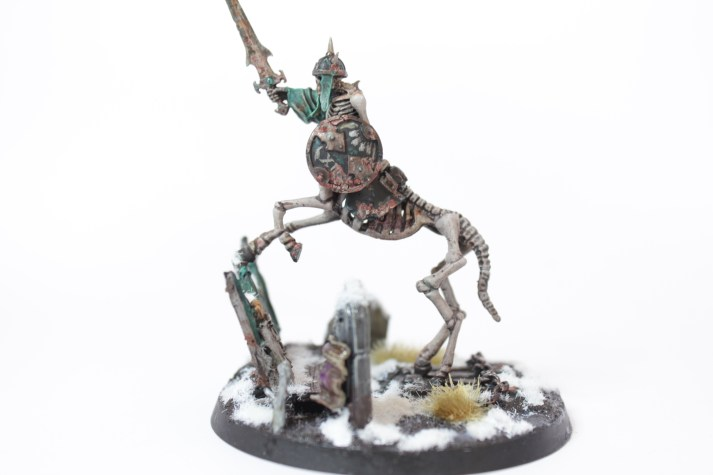 The Horseman's armour is caked with grave grime (made from GW's new crackle texture paints)