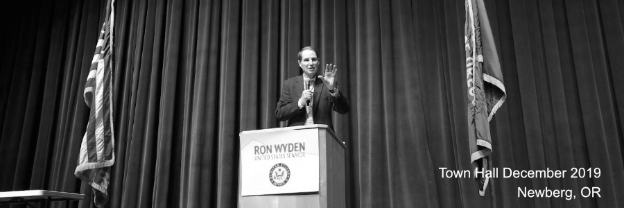 Sen. Wyden Town Hall, Newberg, OR