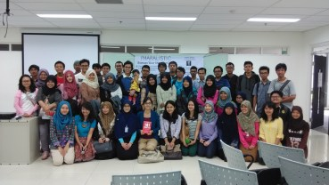 Sharing tentang Personal Branding di Seminar Pharalistic Fakultas Farmasi UI