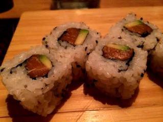 California roll con salmone