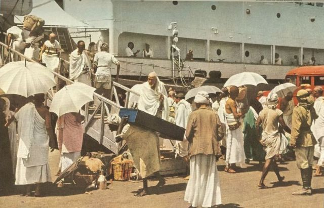 arriving by ferry at jeddah port