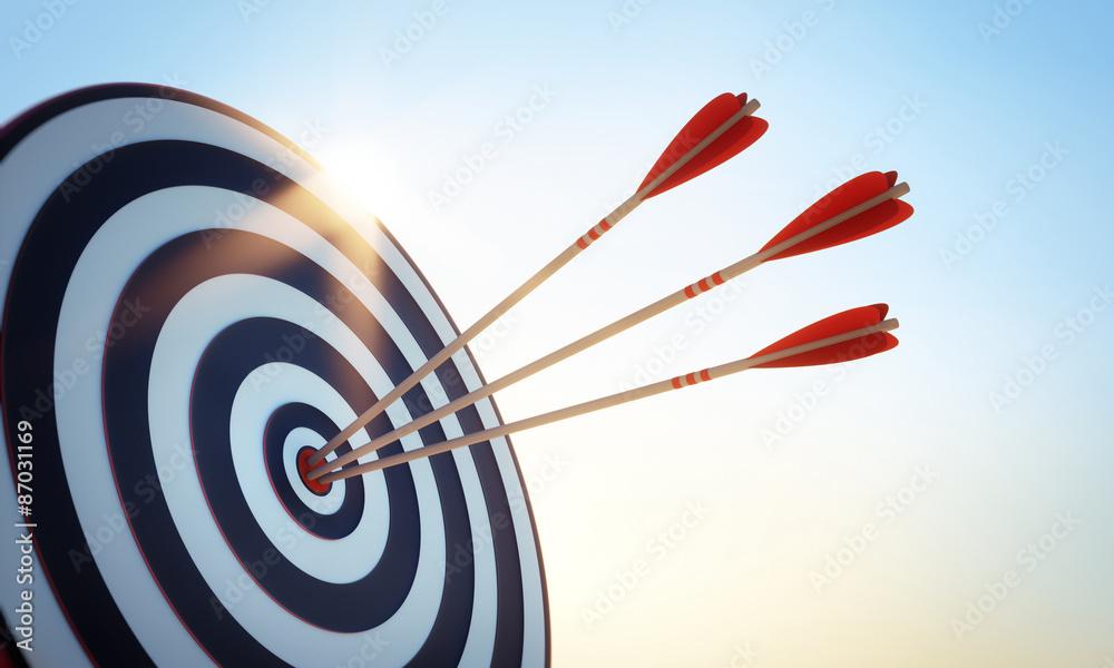 Zielscheibe mit 3 Pfeilen