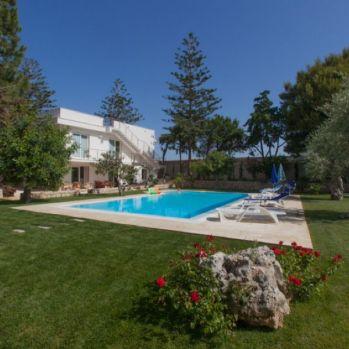 Villa-Donnalucata-swimming-pool1-1-compressor