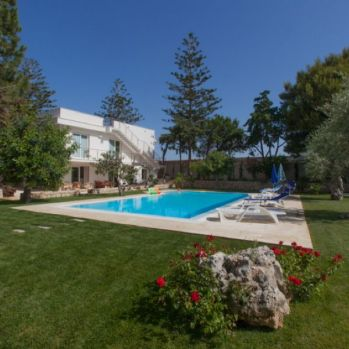 Villa-Donnalucata-swimming-pool1-1-compressor